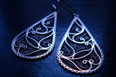 /Magnetic Floral/ Sterling Silver Filigree Earrings / Dimension 1.8 x 5.0 x 3.0 cm