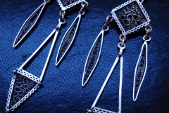 /Mama Africa/ Sterling Silver Filigree Earrings / Dimension 1.5 x 6.5 x 2.0 cm