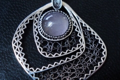 Sterling Silver Filigree Pendant / Dimension 5.1 x 3.1 cm / NE 00054
