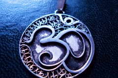 /Om/ Sterling Silver Filigree Pendant / Dimension 3.0 x 3.0 x 1.0 cm