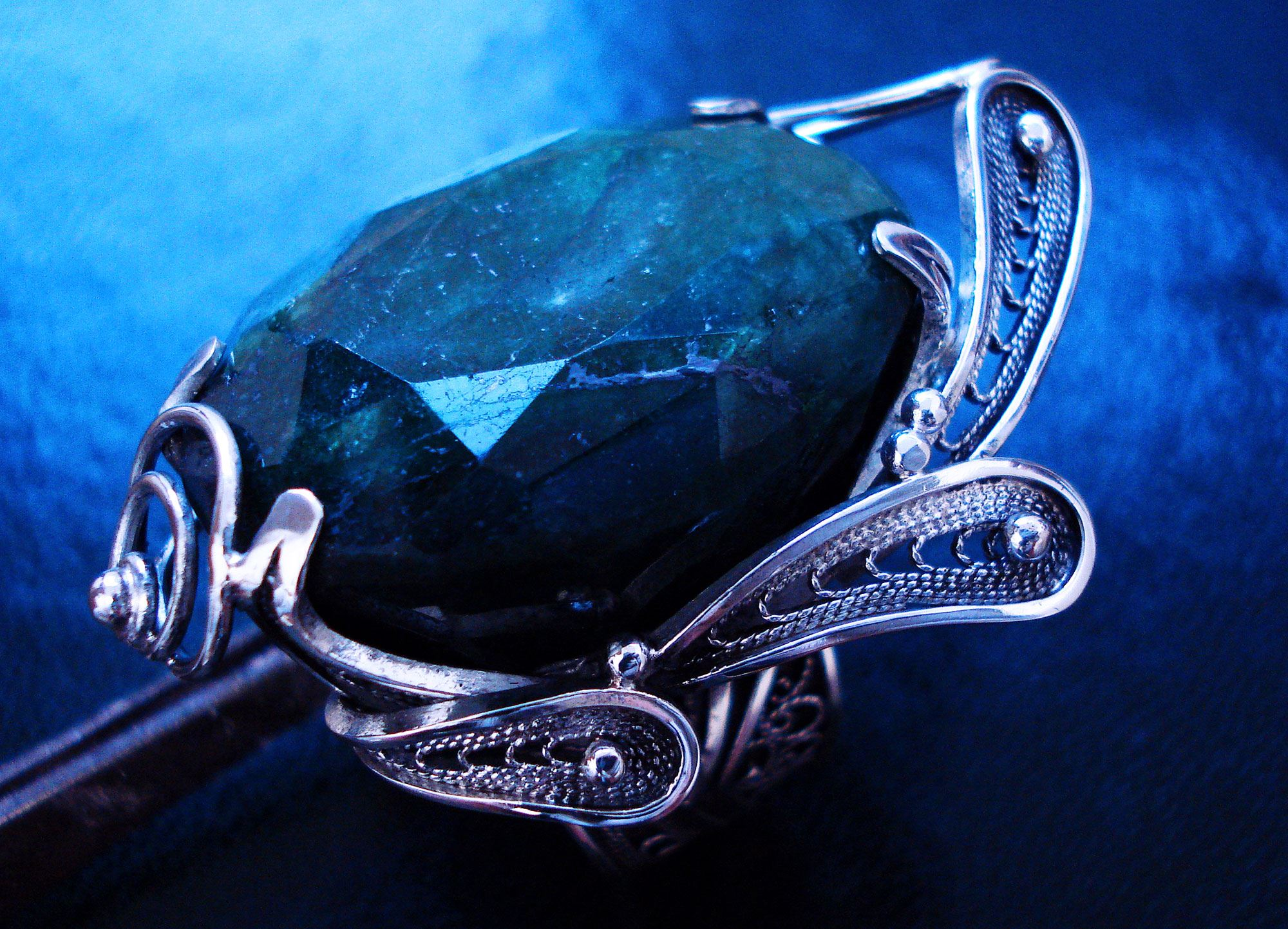 Emerald Post Contact Russian Post Concept Sterling Silver