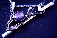 Russian Post-Concept / Sterling Silver Filigree Pendant Indian Star Sapphire 1.2 x 1.0 cm / Dimension 7.0 x 3.0 cm