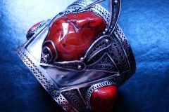 /Red Post-Contact/ Russian Post-Concept / Sterling Silver Filigree Bracelets / Dimension 6.5cm x 5.5cm x 5.0cm Central Karneol Ahat 4.0cm x 3.0cm, left Tint Karneol Ahat 1.3cm x 1.0cm, and right Jasper 13.0cm x 10.0cm