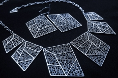 /S-Masso/ Silver Filigree Necklaces / Dimension 4.5 x 3.5 x 45.0 cm Silver Filigree Earrings / Dimension 4.5 x 3.5 x 1.5 cm